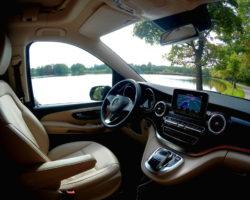 Velmi pohodlné ovládání jízdních i obytných vlastností vozu Marco Polo z místa u řidiče.